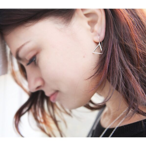 triangle-earrings-silver-julia-next-romance copy