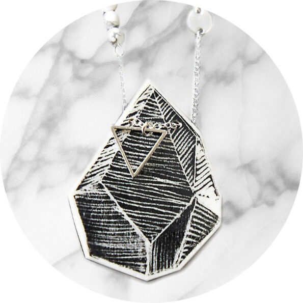 TRIANGLE ART illustrated Next Romance necklace – white lines black rock