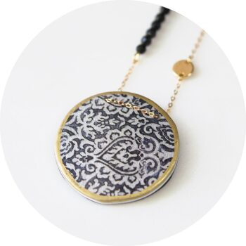 morocco-art-pendant-bw-gold-trim-new-next-romance-jewellery-melbourne-designer