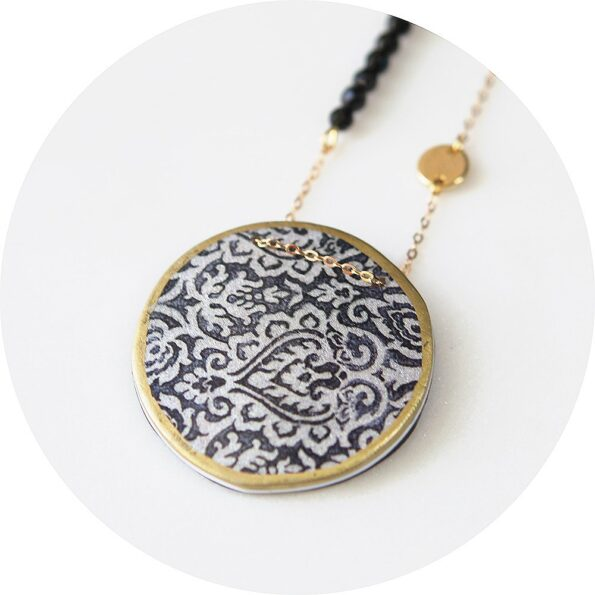 MOROCCO lace illustrated art necklace – blue or black