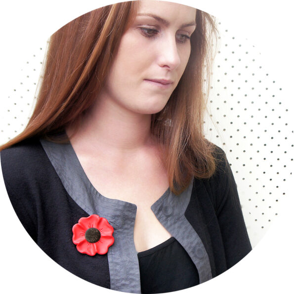 poppy brooch circle red sparkle anzac day remeberance
