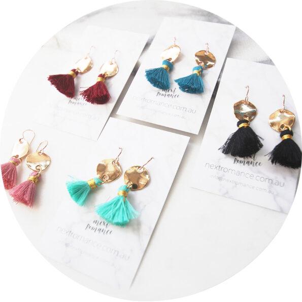 MINI TASSEL nugget earrings 15mm – choose colour