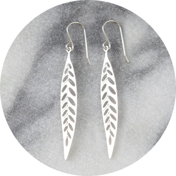 FILIGREE steel cutout earrings – long leaf