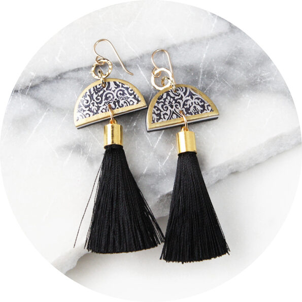 LUXE mini moon tassel ART earrings – small hammered top link