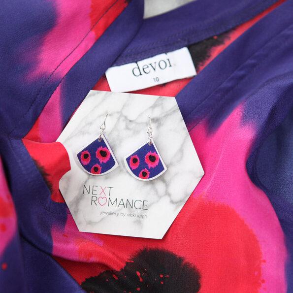 """VELA"" small fan art earrings Devoi x Next Romance collaboration designs"