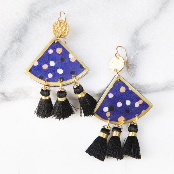 DEVOI CYGNUS NAVY fan art earrings – Next Romance X DEVOI collab