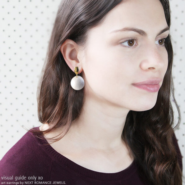 Pearlescence bubble pearl hammered studs NEXT ROMANCE earrings