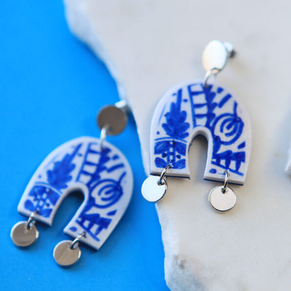 _BLUE SAPPHIRE ceramic tile art earrings – arch with coins